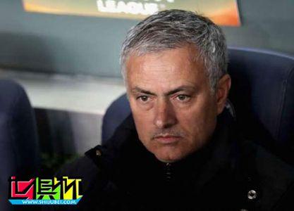 曼联球迷呼吁穆里尼奥下课:让弗格森回来吧!