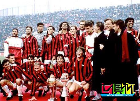 1990年意大利AC米兰队3比0大胜巴拉圭的奥林匹亚队