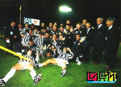 1996年11月26日意大利尤文图斯队1:0战胜阿根廷河床队