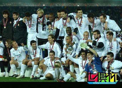 2002年12月3日西班牙皇家马德里2:0干掉巴拉圭奥林匹亚