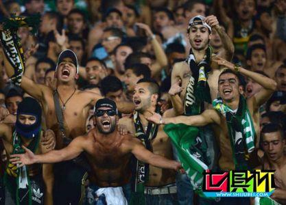 2013年世俱杯摩洛哥球迷疯狂震惊记者 超3万人嘘声头晕目眩