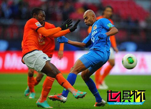2012世俱杯-蔚山现代45分钟0射门 半场暂0-1蒙特雷-第1张图片-世俱杯