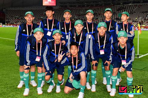 2019世俱杯期间大连青少年享受激动人心的万达FIFA旗手体验